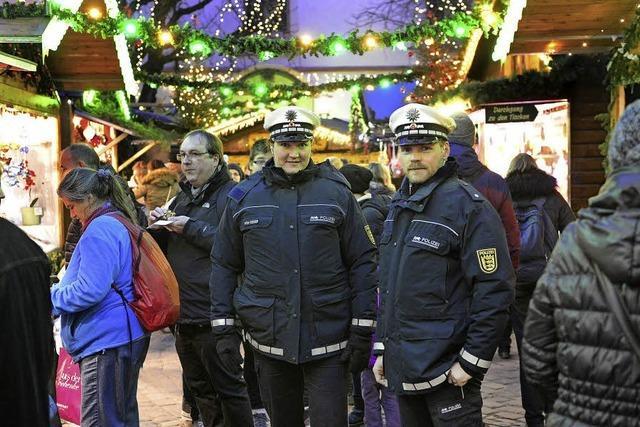 Auch in Freiburg ist die Polizei verstärkt auf dem Weihnachtsmarkt präsent