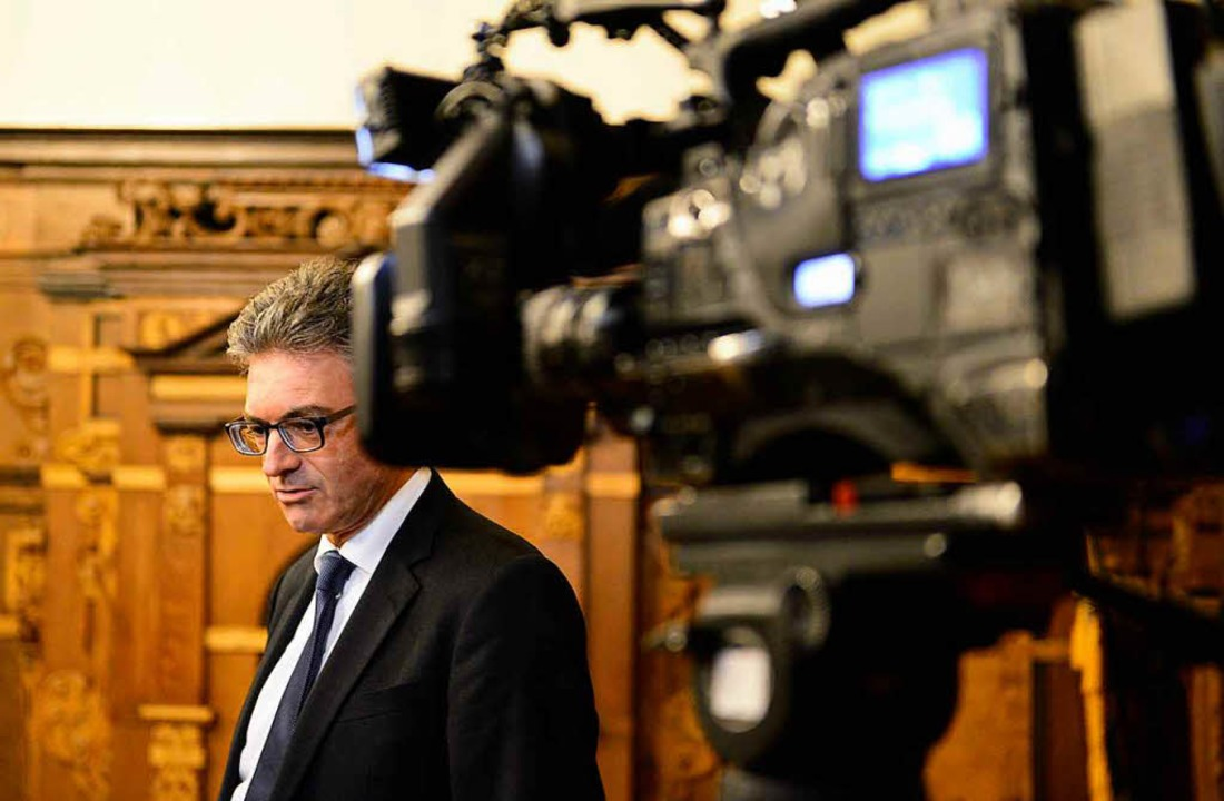 Nach der Festnahme des mutmaßlichen Tä...beliebter Gesprächspartner der Medien.  | Foto: Ingo Schneider