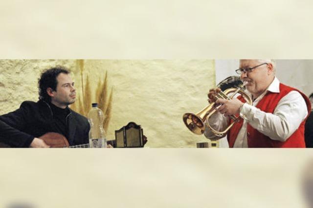Christian Reichert (Gitarre) und Jörg Alexander Kuenzer (Trompete) in Freiburg