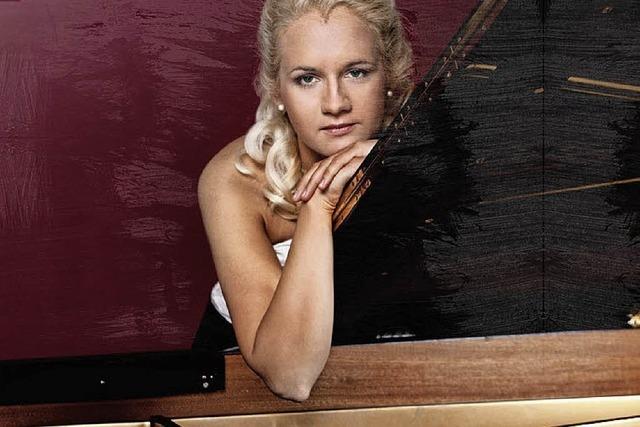 Die Pianistin Aleksandra Mikulska spielt im Ettenheimer Bürgersaal
