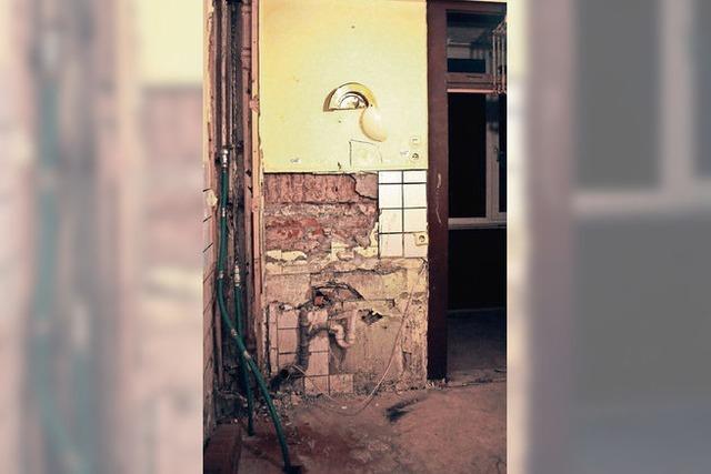 Städtische Wohnbaugesellschaft stellt das erste sanierte Gebäude vor