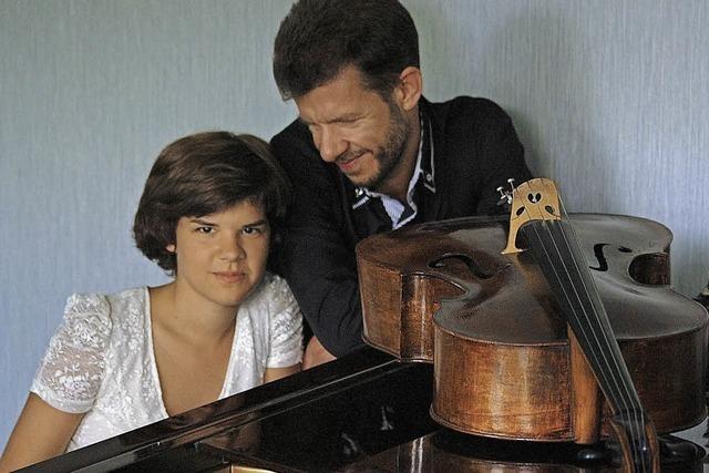Anastasia und Dmitry Sokolov und Projektchor in Kenzingen