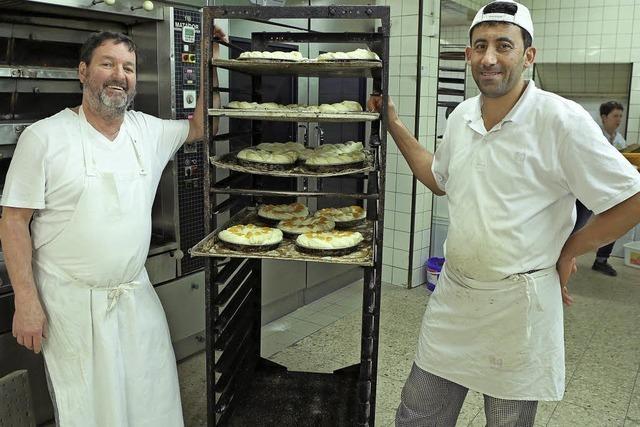 Der Syrer Mouaiad Alboush arbeitet in der Schutterner Bäckerei von Klaus Baumert