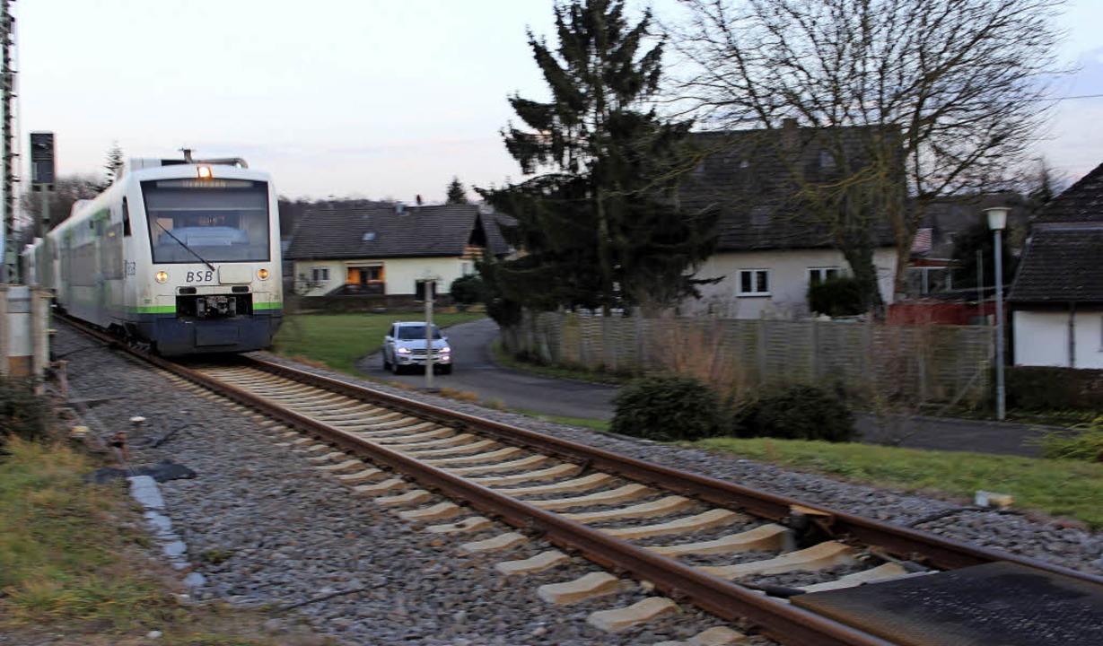 Auf die Südseite der Bahnlinie, wo die...ierung Lärmschutzwände gesetzt werden.  | Foto: Mario Schöneberg