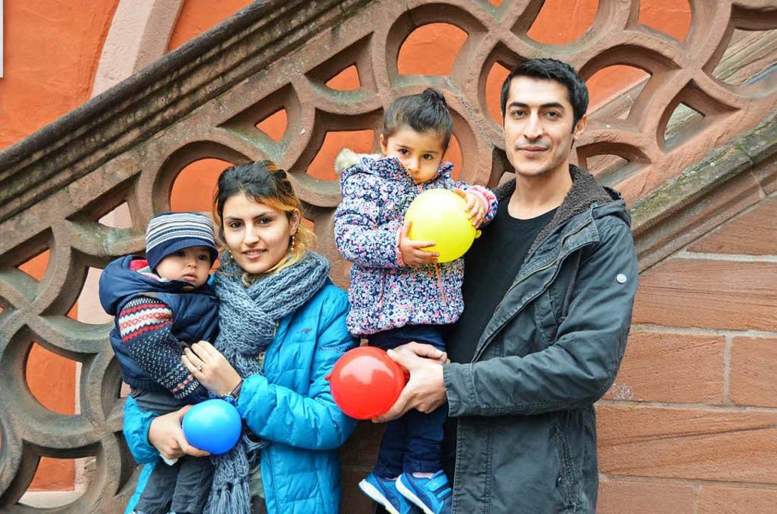 Sind auf Wohnungssuche: Mutter Amsha F...indern Ali (10 Monate) und Nujiyan (2)  | Foto: Sarah Beha