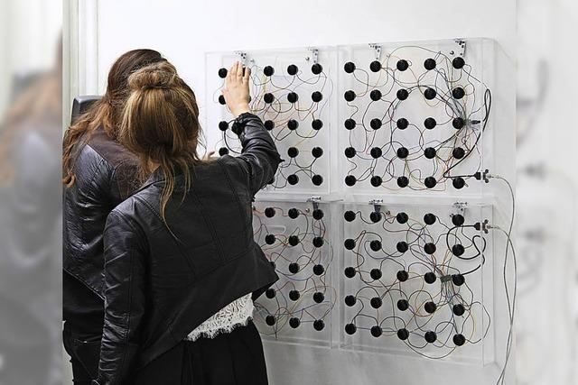 """""""Things you do seldom"""" mit Bianca Hildenbrand, Eliza Coolidge aka Sis & Timothy Severo im Museum Tinguely in Basel"""
