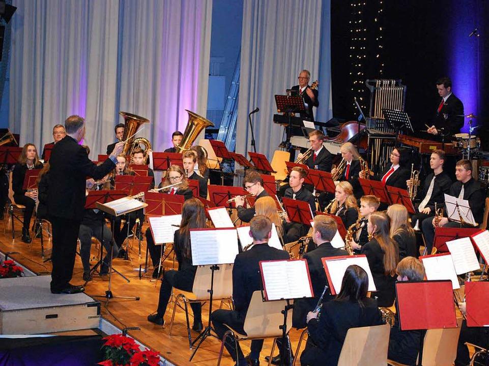 Das Jugendorchester hat Verstärkung von einigen erwachsenen Spielern.    Foto: Sylvia-Karina Jahn