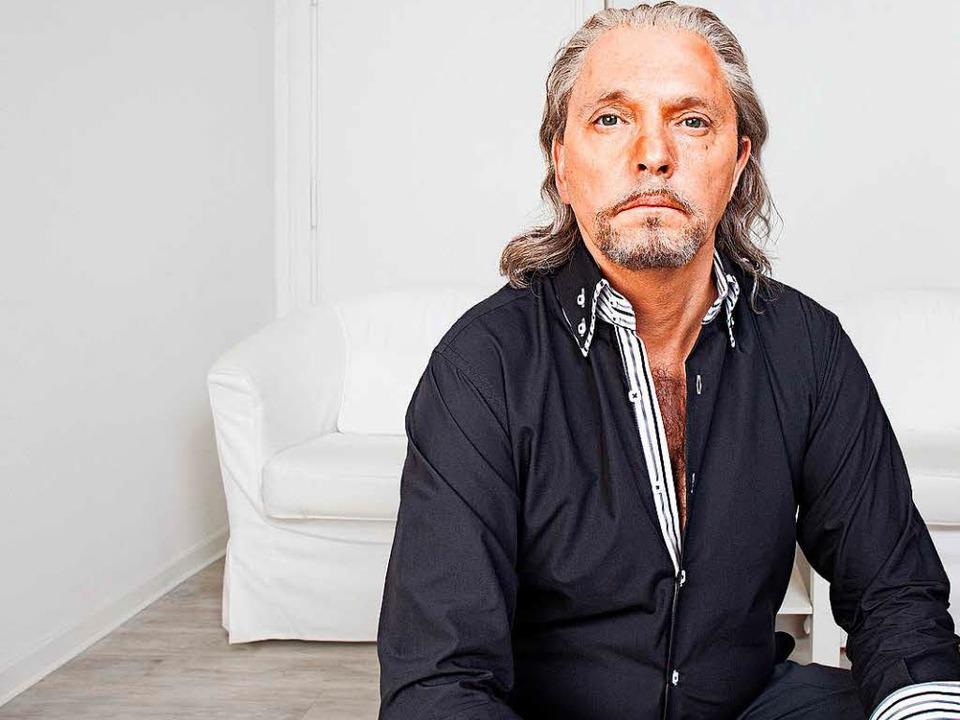 Olli Dittrich als Moderator Konstantin Pfau  | Foto: WDR/Beba Lindhorst