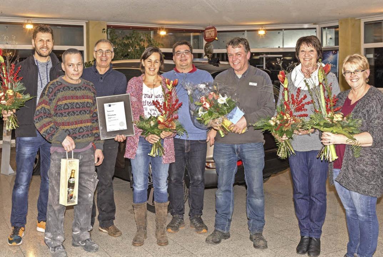 Georg und Mario Tröndle ehrten im Rahm...Jahre) und Marianne Weber (20 Jahre).   | Foto: Chris Seifried