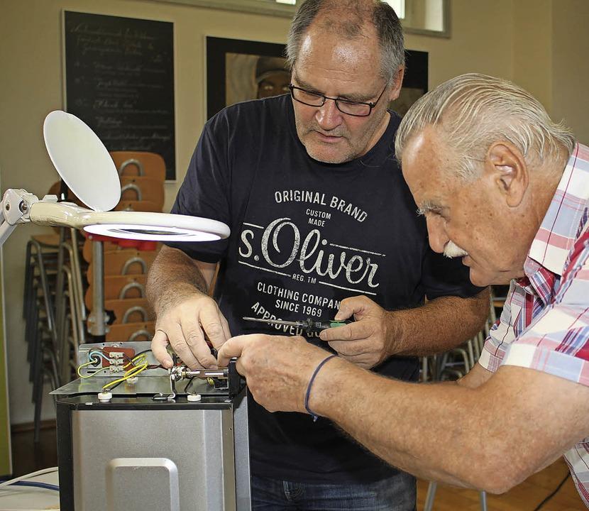 Beim neuen Repair-Café sind Tüftler gefragt  | Foto: Anja Bertsch