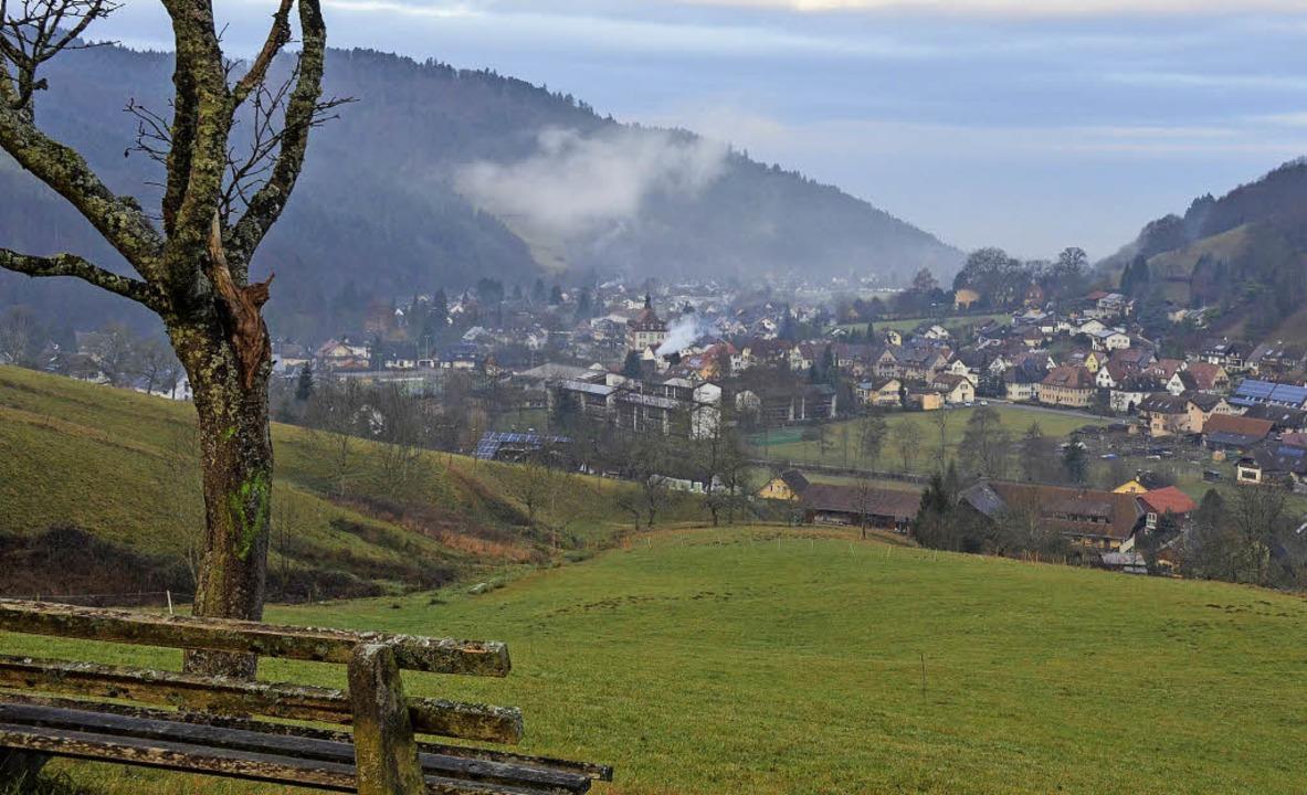 Ein guter Platz zum Feuerwerk-Gucken i...nort und weiter in Richtung Rheintal.     Foto: Gabriele Hennicke/Colourbox