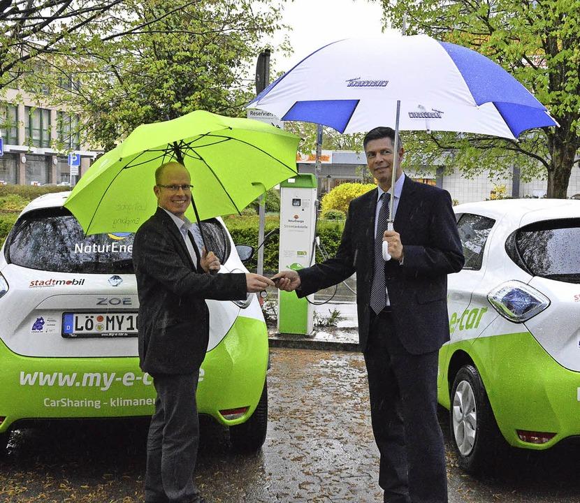 Die neuen Elektro-Dienstfahrzeuge der Stadt  | Foto: Edgar Steinfelder