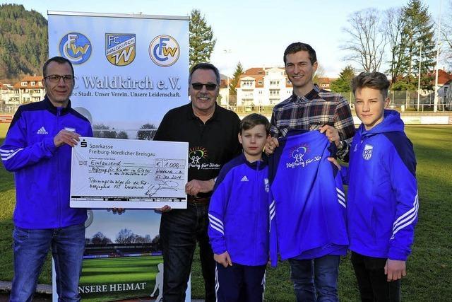 Fußballer initiiert Spende