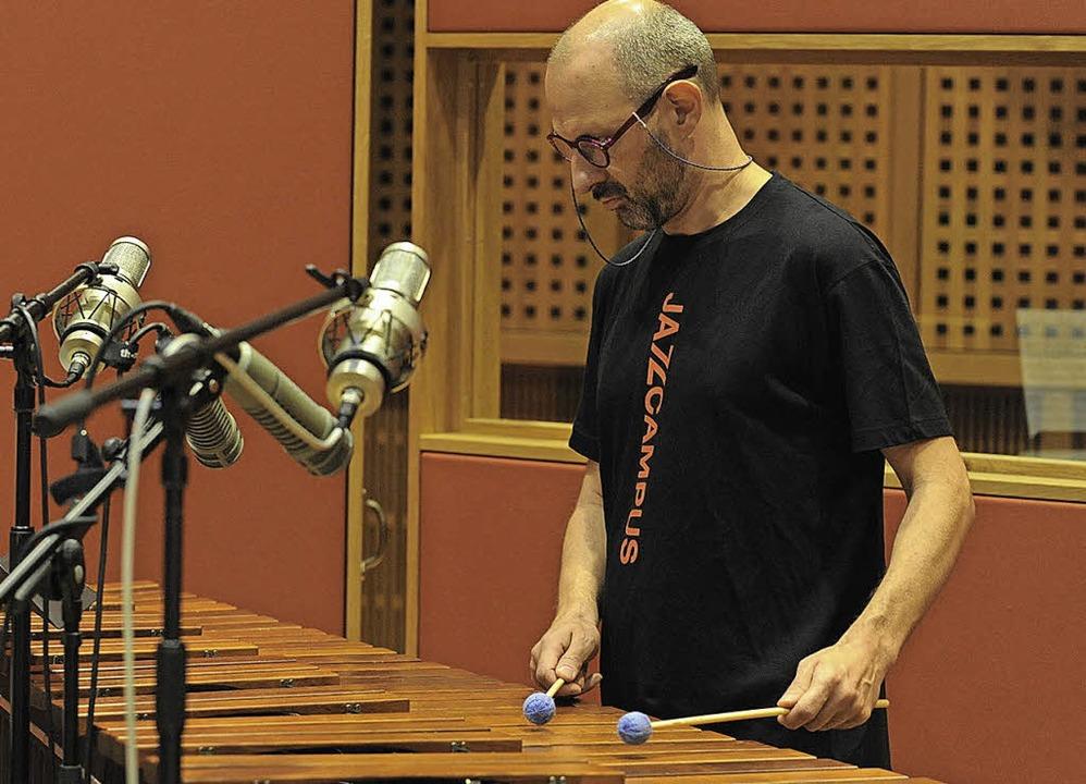 Jorge Rossy im Studio in Basel    Foto: Bernhard Ley