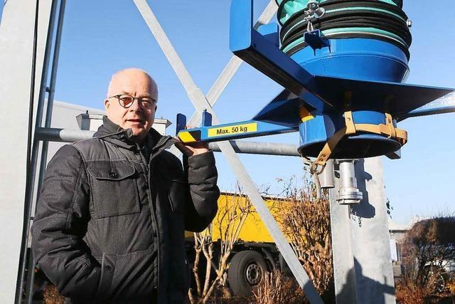 Lahrer Tankstelle Günther bietet Pellets an der Zapfsäule an
