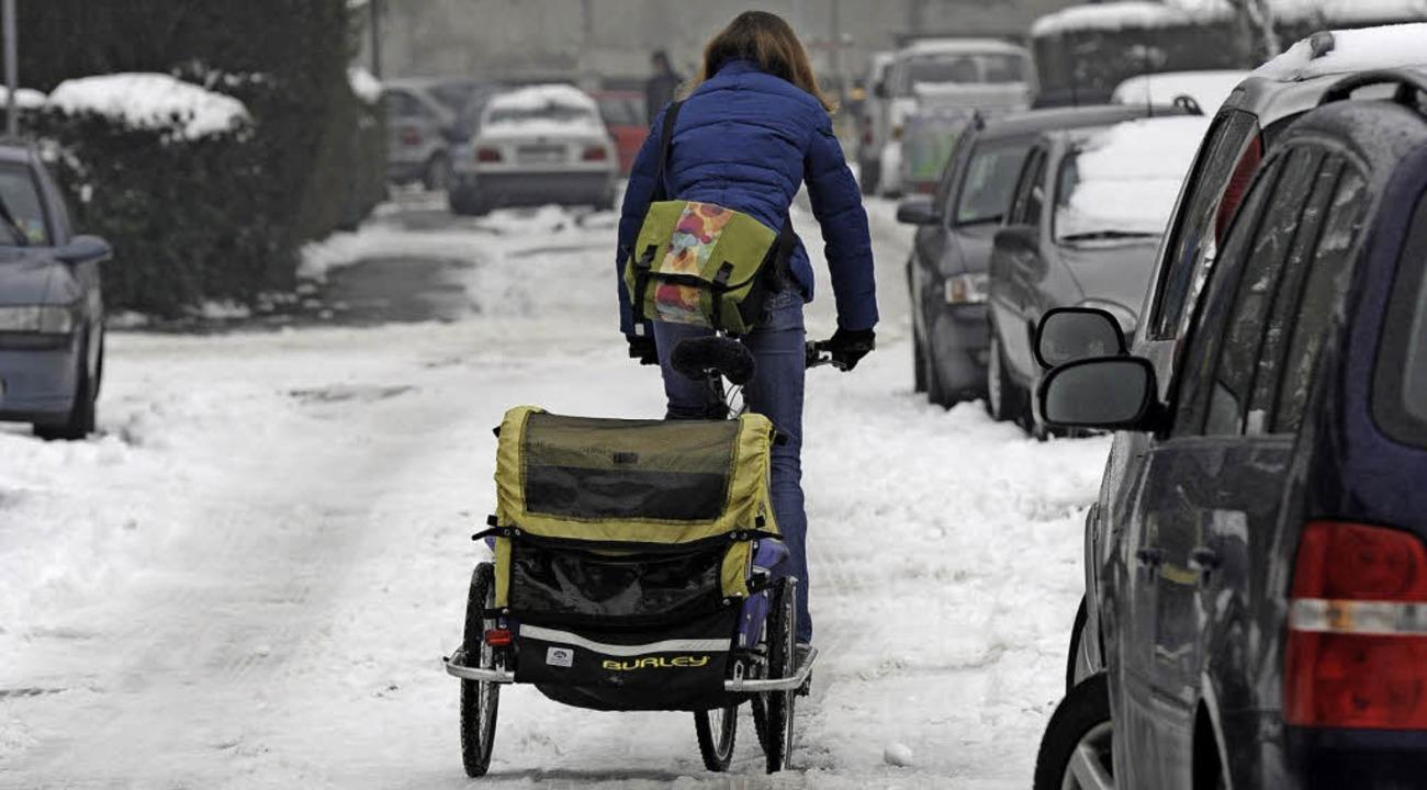 Oft werden Radstrecken im Winter nicht...ndlerrouten in oberster Dringlichkeit.    Foto: Ingo Schneider