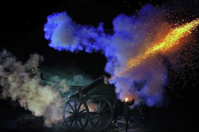 Am Vogtsberg begrüßt Hubert Haury das neue Jahr mit zwölf Kanonenschüssen