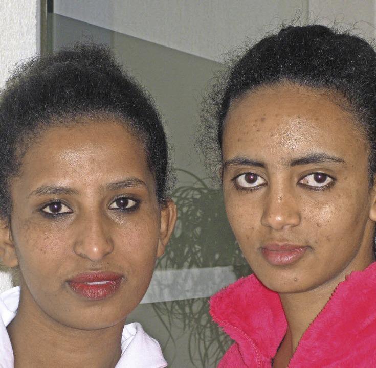 Nigsti Mebrahtom (links) und Asmeret Daniel  | Foto: Ute Kienzler