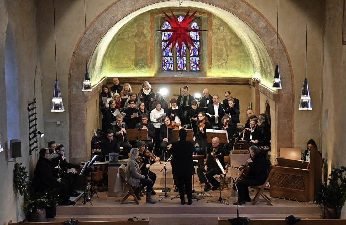 Orchester und Chor haben die Bach-Kant... in der Burgheimer Kirche aufgeführt.   | Foto: Wolfgang Künstle