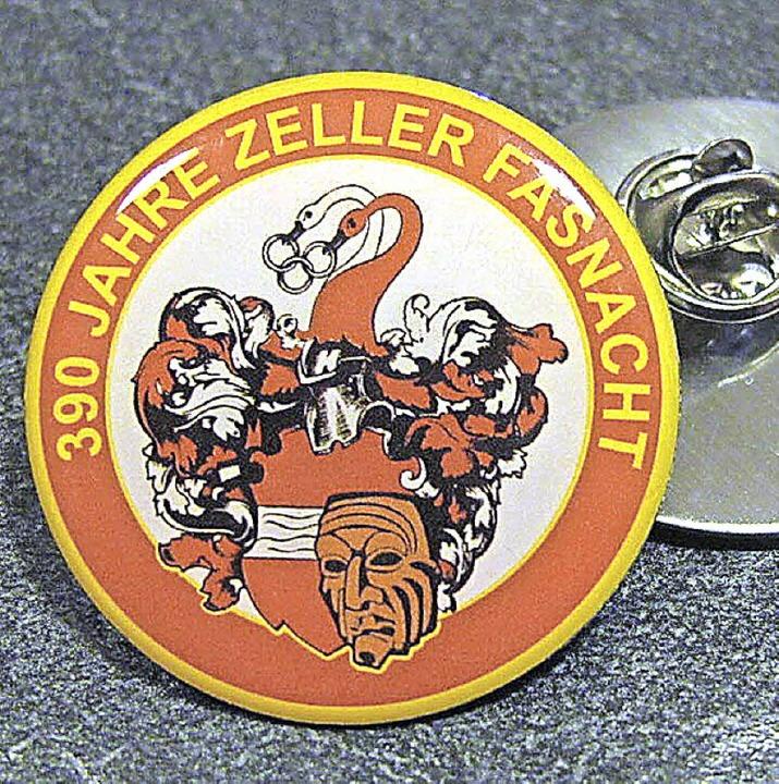 """Ab sofort erhältlich ist der Pin zum F...222;390 Jahre Zeller Fasnacht"""".     Foto: Privat"""