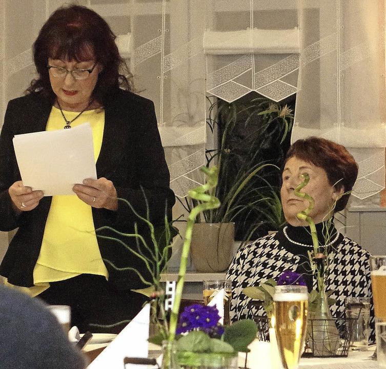 Vorsitzende Heidi Malnati und Ortrun S...len Silvesterhock der CDU Schopfheim.   | Foto: Hans-Jürgen Hege
