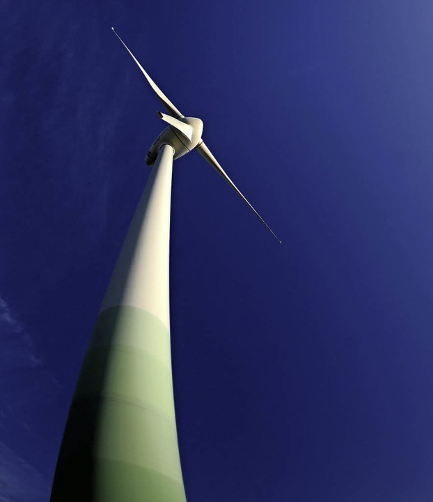 Unter Vorbehalt hat das Landratsamt 13 Windräder  genehmigt.   | Foto: DPA