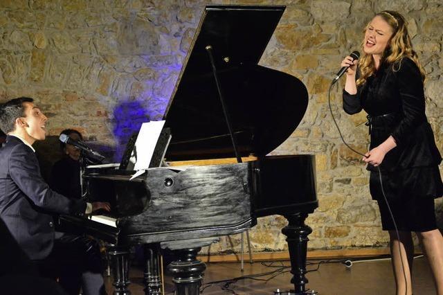 Julian Moehring und Ester Wiesnerová haben in der Alten Feuerwache ein Duo-Konzert gegeben
