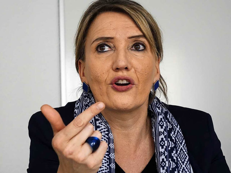 Grünen-Chefin Simone Peter ist mit kri...n auch in der eigenen Partei angeeckt.  | Foto: Wolfgang Grabherr