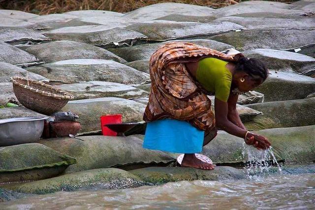 Bangladesch will drittgrößten Fluss der Welt mit Sandsäcken zähmen