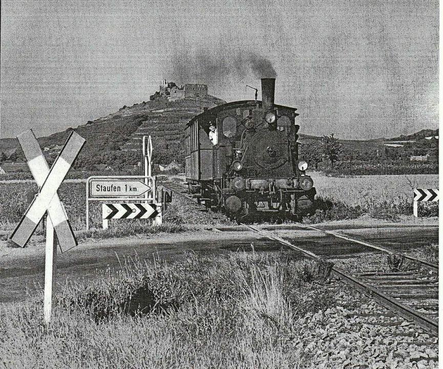 Beschauliche Zeiten: Das Bähnle in den 60er Jahren auf dem Weg nach Sulzburg.     Foto: Privat