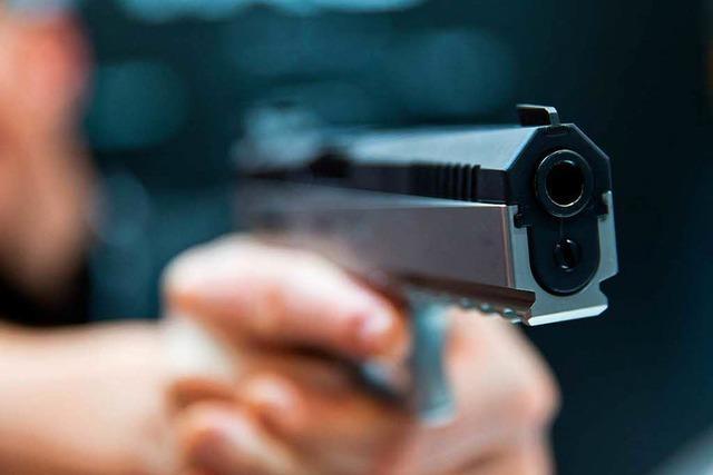 Raubüberfall mit Pistole auf Dietenbachgelände