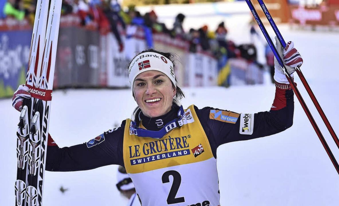 Erstmals Siegerin bei der Tour de Ski: die Norwegerin Heidi Weng  | Foto: afp