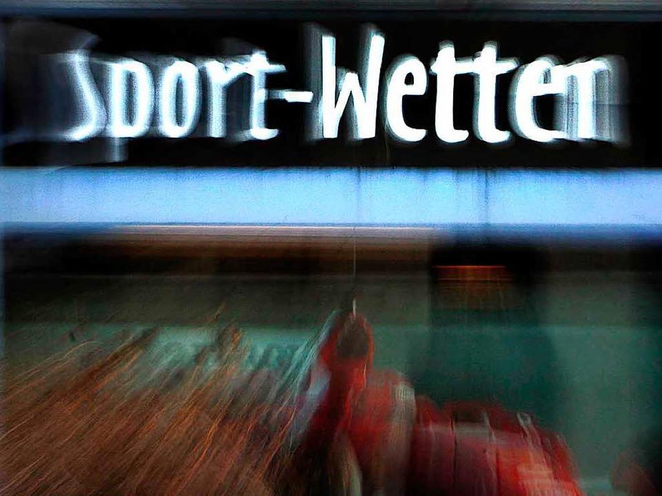 Deutlich rückläufig ist die Zahl der Wettbüros in Freiburg.    Foto: dpa