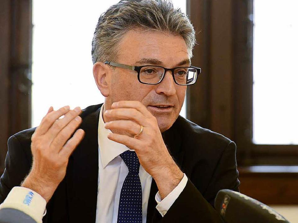 Der Freiburger OB Dieter Salomon strebt eine dritte Amtszeit an.  | Foto: Ingo Schneider