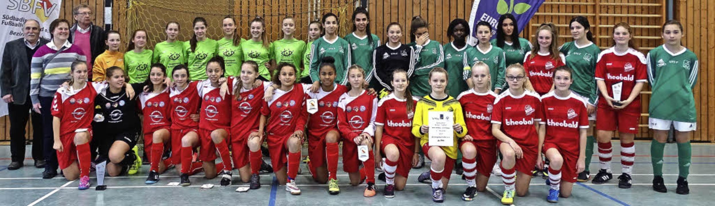 <BZ-FotoAnlauf>FUTSAL:</BZ-FotoAnlauf>...trikt-Turnier der Mädchen teilnahmen.     Foto:  Kerstin Rendler