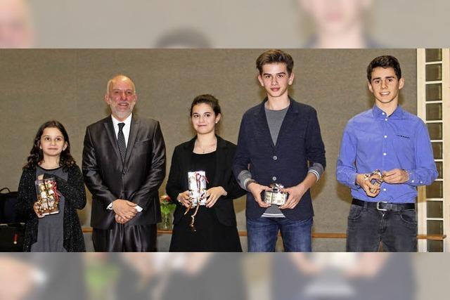 Axel Moick würdigt ehrenamtliche Leistungen