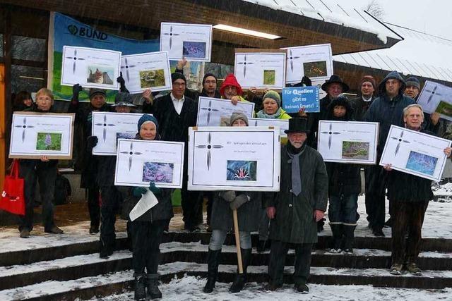 Naturschützer demonstrieren gegen Pumpspeicherwerk
