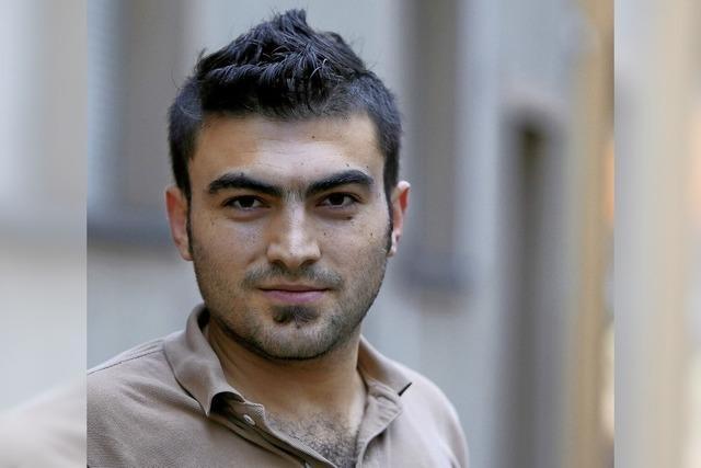 Milat Hassun aus Syrien arbeitet im Penny-Lager auf dem Lahrer Flugplatz
