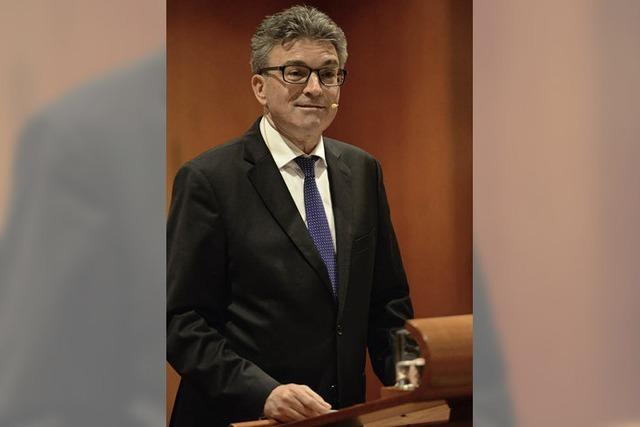 Oberbürgermeister Dieter Salomon blickt in seiner Neujahresrede auf kommende Großprojekte