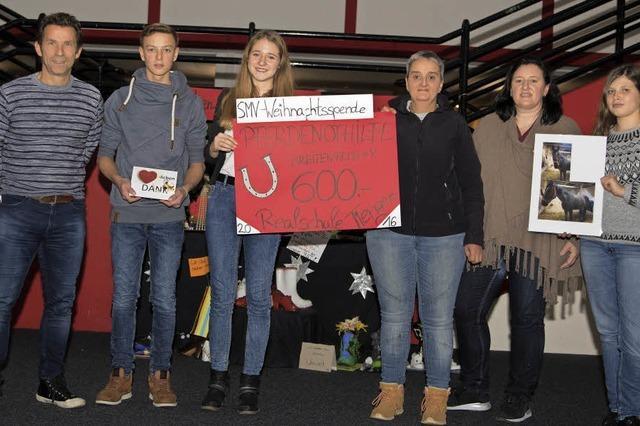Jugendliche zeigen Herz für Pferde und Kinder in Not