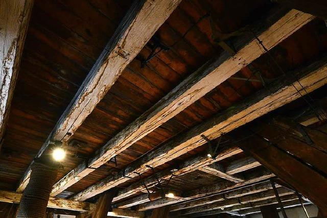 So wird in 43 Meter Höhe im Münsterturm Holz saniert