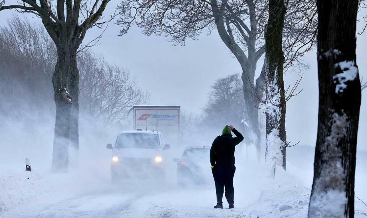 In Todtnauberg hat sich ein Tourist im Schneesturm verirrt (Symbolbild).  | Foto: dpa