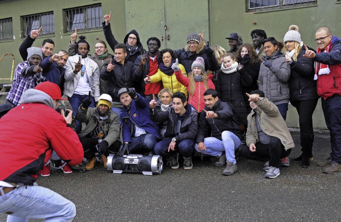 """""""Zusammen sind wir eins"""": ...n die jungen Menschen in ihrem Video.     Foto: Bettina Schaller"""