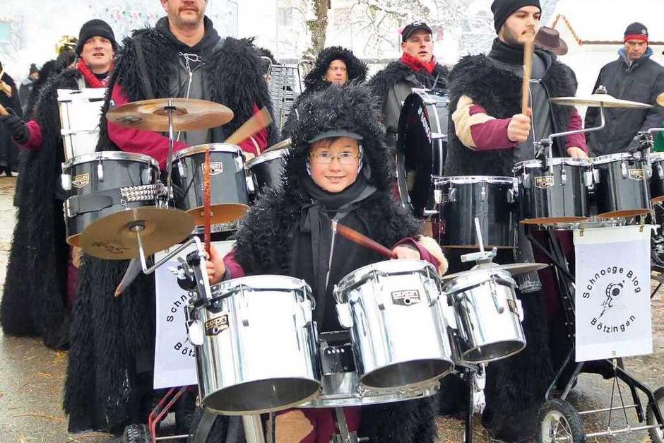 Ausgelassen feierten die Bergteufel in Oberprechtal ihr Zunftjubiläum.<?ZP?>  Fotos: Roland Gutjahr und Bernd Fackler