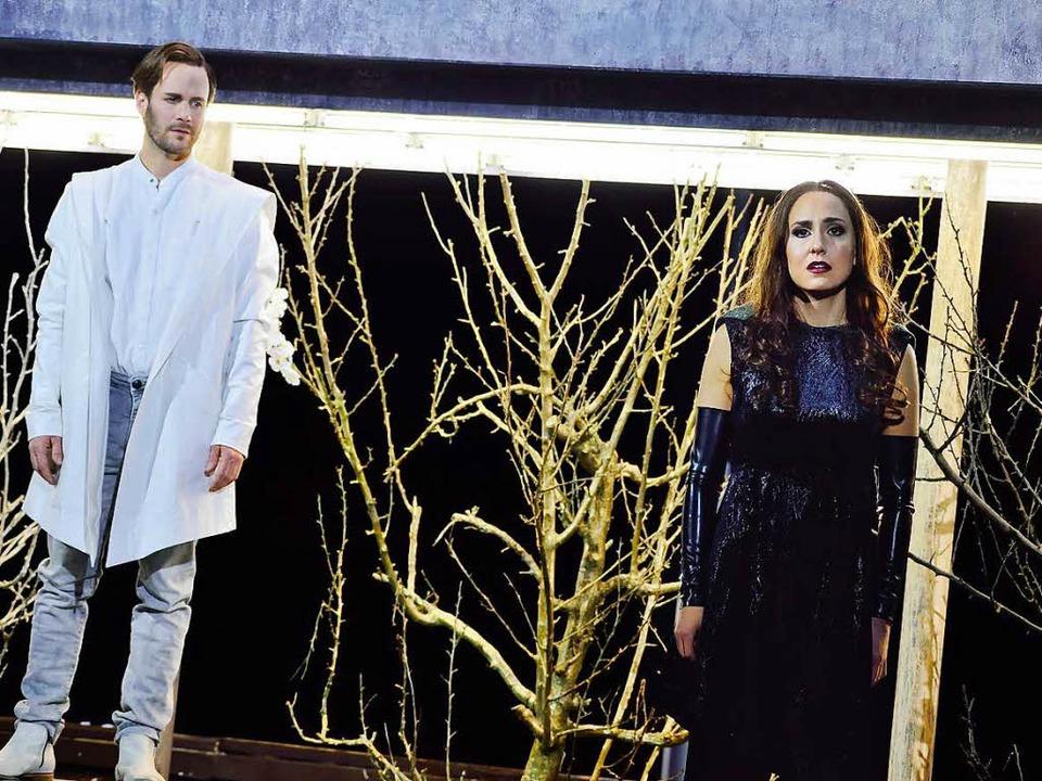 Liebe ohne Zukunft: Gabriel (Christoph Waltle) und Safiye (Kim-Lillian Strebel)  | Foto: Maurice Korbel