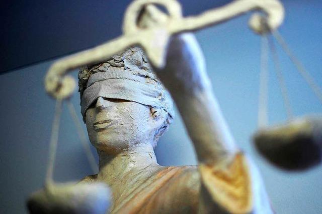 Nachbarschaftsstreit in Weil: Angeklagter sieht sich als Verschwörungsopfer