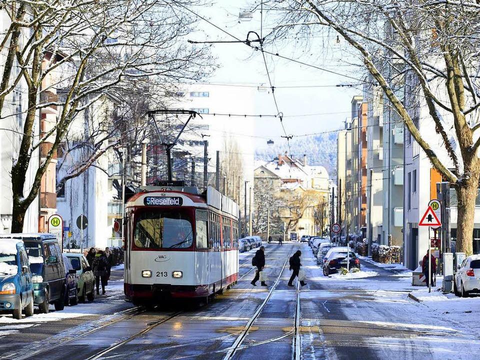 Die Gleise in der Komturstraße sind alt.   | Foto: Ingo Schneider