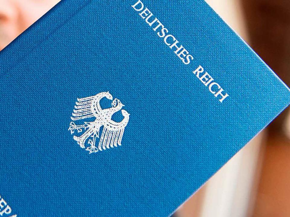 Mit Reichsbürger-Ideologien hat die Gemeinde Buchenbach nichts im Sinn.  | Foto: dpa