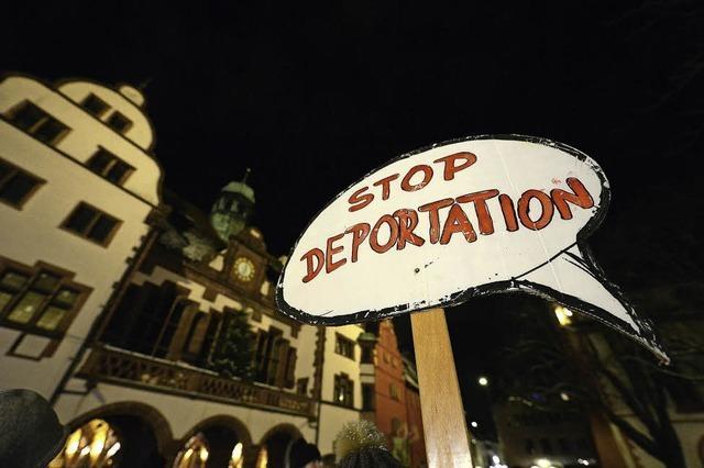Demonstration gegen die Abschiebung einer Roma-Familie