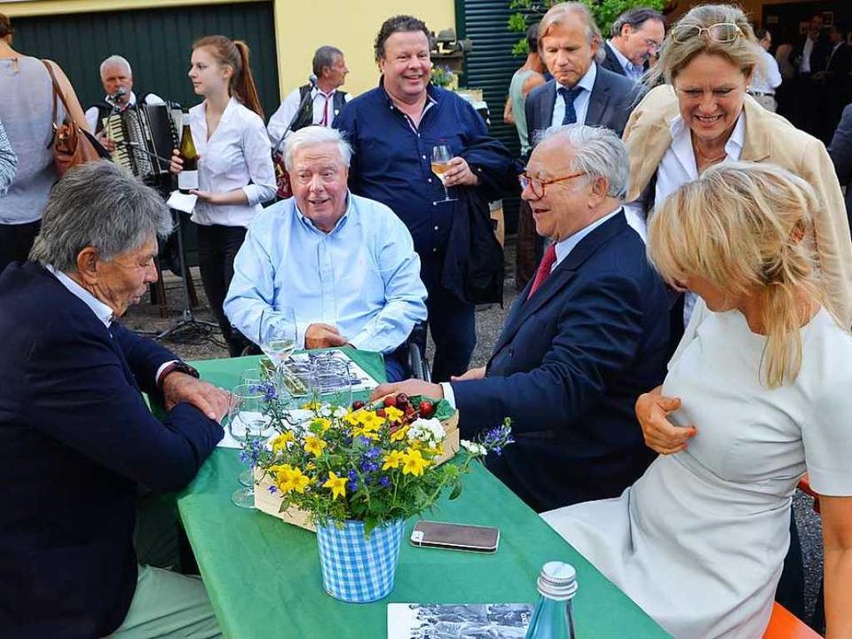 In Mitten  seiner Brüder Frieder (links) und Hubert (rechts)  | Foto: Ralf Burgmaier